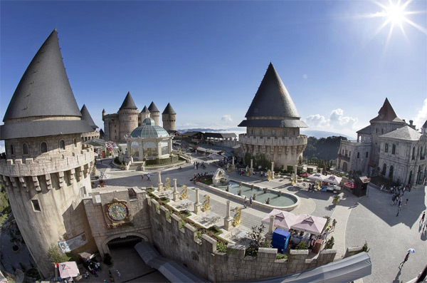 Travel to Ba na hills and get some experiences